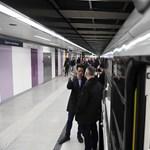 Akadálymentesítés 3-as metró módra: 16 perc átszállni a villamosról kerekesszékkel