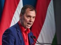 Szlávik János szerint nem szabad fanyalogni, amiért egy oltóanyag keletről származik