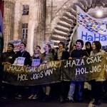Így tiltakoztak az alaptörvény ellen - Nagyítás-fotógaléria