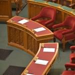 Kövér nem indokolta meg, miért nem engedték be a Momentum elnökségi tagját a Parlamentbe