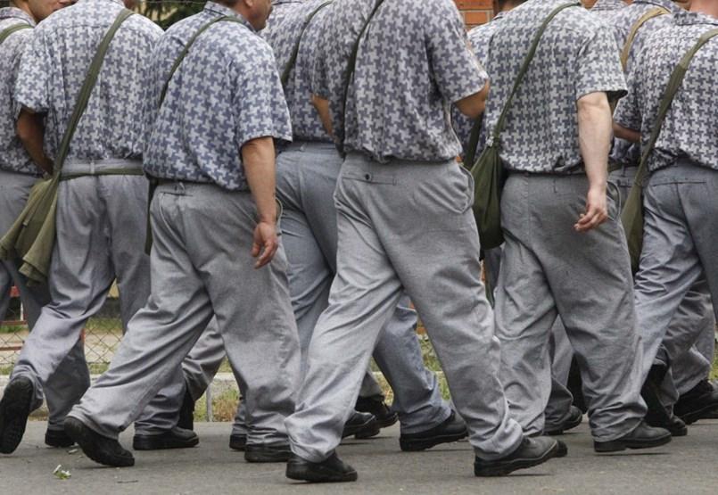 Hogyan lehet egyszerre 2 ezer rabot elköltöztetni? – Már a konténerbörtön ötlete is felmerült
