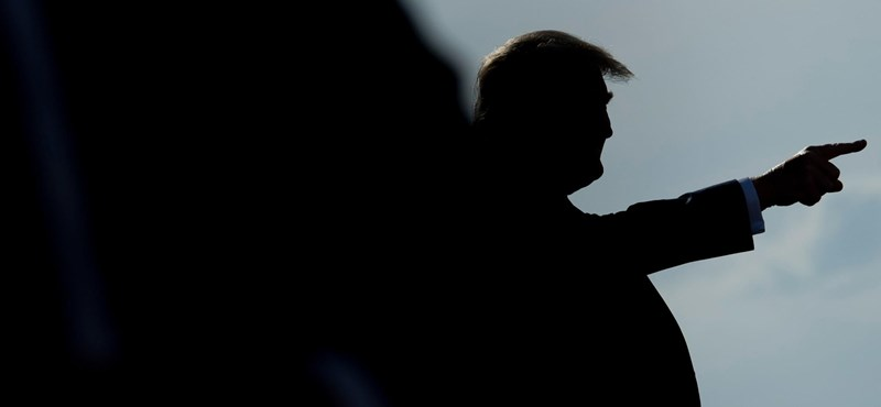 24 órára kitiltották a Facebookról Donald Trumpot