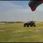Felszállás közben házfalnak hajtott egy repülő autó – videó