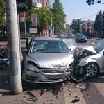 Fotó: Kisgyerekes autó csattant a Szépvölgyi útnál