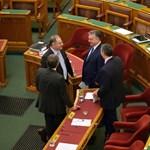Csúszik a civiltörvény parlamenti végjátéka