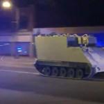 Videón egy elkötött páncélozott csapatszállító üldözése