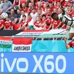 Elgondolkodott már azon, miért volt annyi kínai felirat a válogatott meccse alatt?