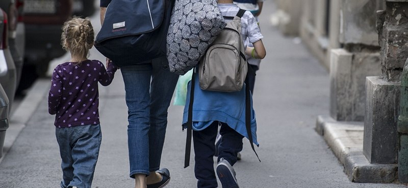 Részletezték a családvédelmi akciótervet, külföldiek is kaphatnak hitelt
