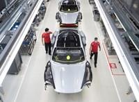 Akár 15 ezer munkahely is veszélybe kerülhet az autógyártók leállása miatt