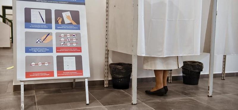 A szavazólapot ne fotózza, de szelfit készíthet a fülkében