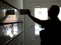Plusz 14 választási értesítőt talált a postaládájában