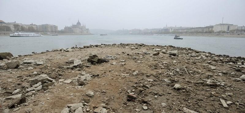 A nap képe: aggasztóan alacsony a Duna vízszintje Budapestnél