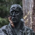 Megbecstelenítették Raoul Wallenberg szobrát