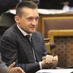 Rogán mozgósította a frakciót a Veszprém utáni első kétharmados szavazásra