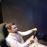 Hajlítható monitort fejlesztett az LG, jobb játékélményt ígér a cég