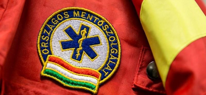 Pest megyében a hívások felében nem érkezik ki a mentő 15 perc alatt