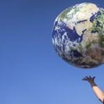Jól látja: 30000000000000000 kg dolgot termelt eddig az emberiség