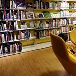 Bebizonyították: 200 könyvet is olvashatnál a Facebook helyett évente
