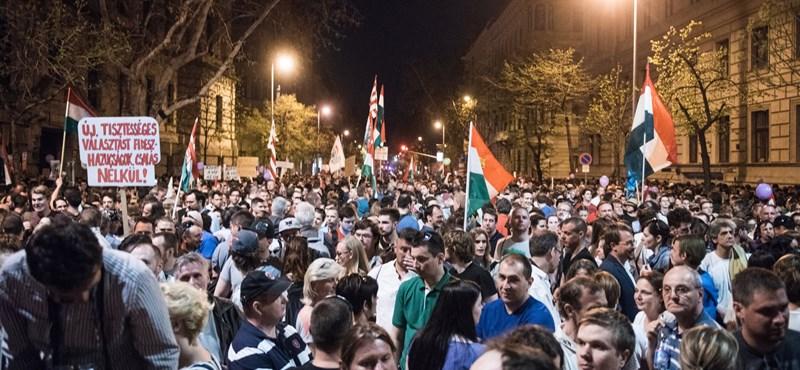 Vonulásos tüntetés lesz szombaton, végcél a Szabad sajtó útja