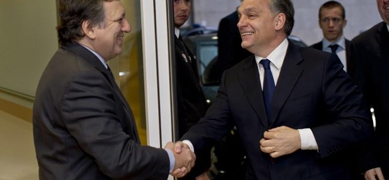Kompromisszumkész, de titkolózó Orbánról írnak a lapok
