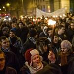 Gimnazisták is csatlakoznak a diáktüntetésekhez: Pécsen ülősztrájkolnak