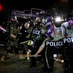 Elfajult a helyzet: két embert meglőttek az összecsapásokban Fergusonban