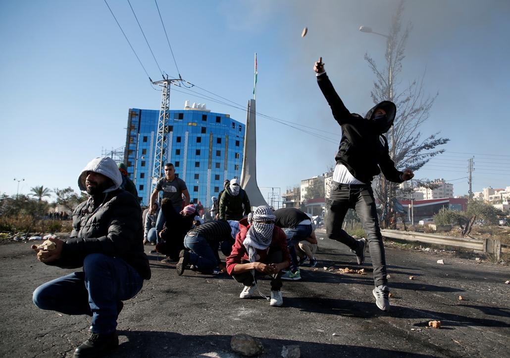 afp.17.12.08. - Tüntetés Ramallahban a Jeruzsálem USA