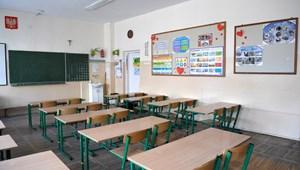 Észak-Macedóniában és Szlovéniában is visszaülhetnek a diákok a padokba