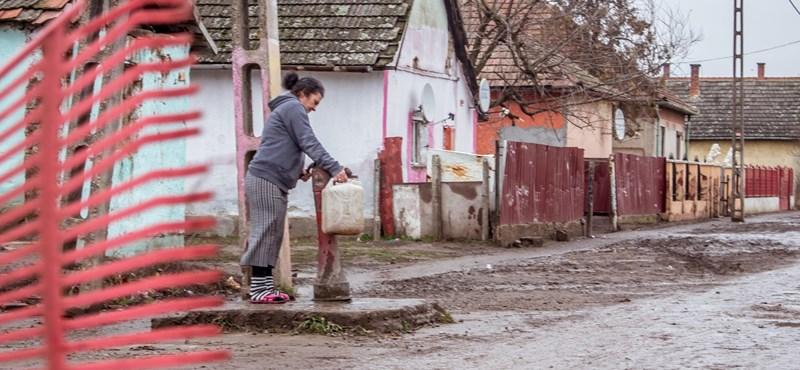 """""""Csak a jelszavak mások a Jobbik alatt, a szar maradt"""""""