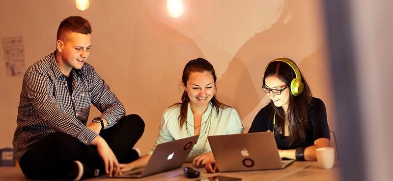 Nem csak a férfiaké az informatika - most a lányok is megmutathatják, mire képesek