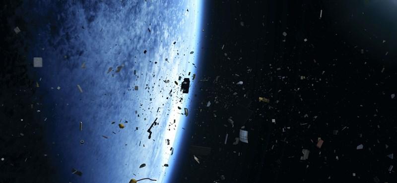 Japán megunta az űrben lévő szemetet, ezért felküldtek egy hosszú, mágneses zsinórt – videó