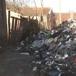 Olasz divatáru helyett egy hulladékhegyet kapott a telkére a lábodi férfi