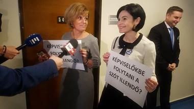 Besült ellenzéki akció: nem tudták helyesen leírni a fojtani szót