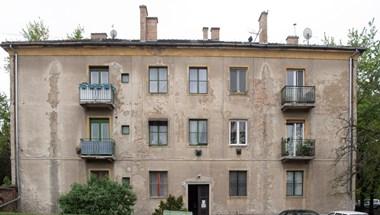 Eladták a szolgálati lakásokat, triplájára nőtt a bérleti díj