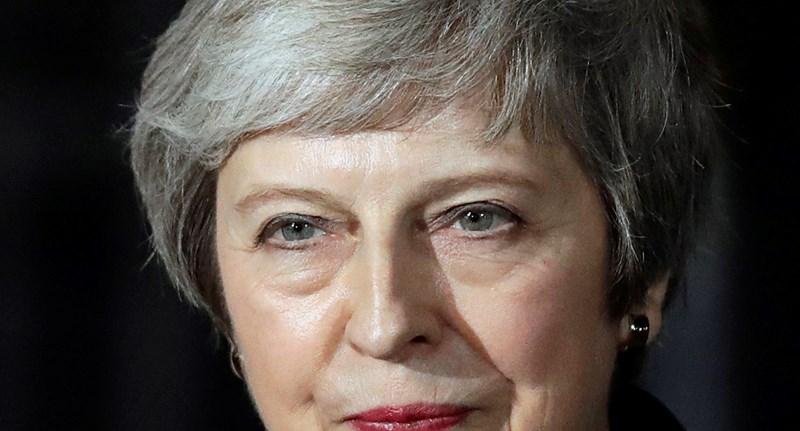 Brexit: Theresa May nagy áldozatra készül, hogy megtartsa hatalmát