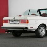 Szinte bejáratósan új 33 éves kabrió 3-as BMW-t kínálnak eladásra