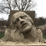Hatalmas Jézus-szobrot készítettek homokból Tinnyén - fotó