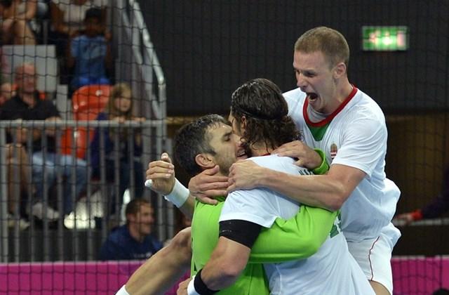 Londoni olimpia - Fazekas Nándor, Nagy László és Zubai Szabolcs öröme az izlandi csapat ellen játszott mérkőzés után