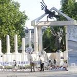 Flashmobot szerveznek estére Budapest egyik legvitatottabb emlékművéhez