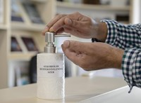 Egyre többen halnak bele az USA-ban abba, hogy kézfertőtlenítőt isznak