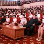 Fel se léptek: Váratlanul elhagyta Kínát Kim Dzsong Un kedvenc zenekara