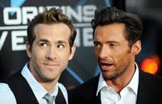 Ryan Reynolds alaposan kiosztotta a születésnapos Hugh Jackmant