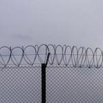 ENSZ-főbiztos: Inkább börtönnek kellene hívni a magyar tranzitzónákat