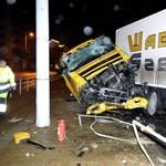 A villamossíneken kötött ki egy kamion a Róbert Károly körúton – fotók