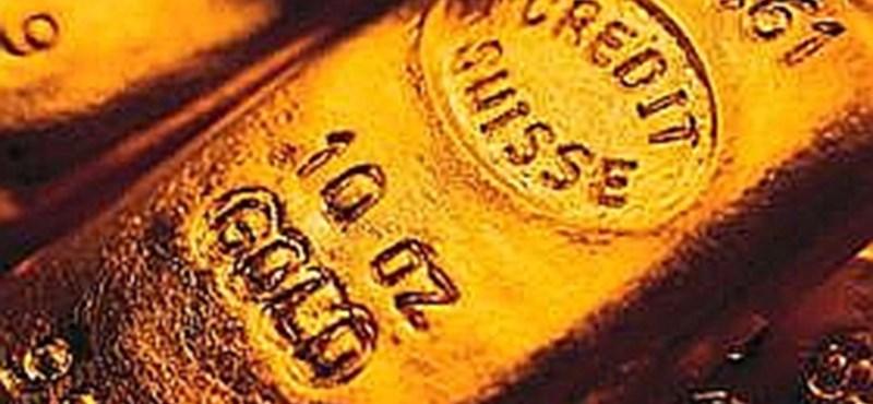 Svájc leleplez pár feltételezett külföldi adócsalót