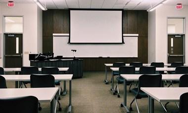 """""""Önként vállalt túlmunka"""" lenne a tanárhiány miatti helyettesítés a szakképzésben"""