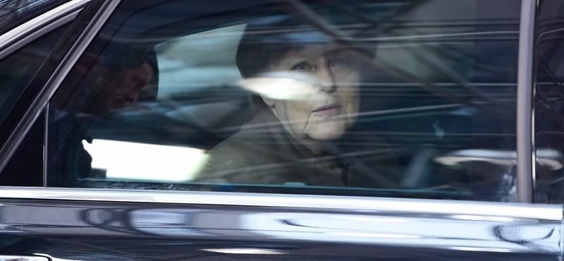 Merkel legszívesebben visszaforgatná az idő kerekét
