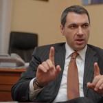 Lázár: nem kell gazdaságpolitikai irányváltás