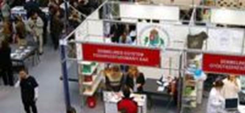 Educatio 2009 köz- és felsőoktatási intézmények seregszemléje
