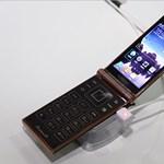 Világújdonság: itt a Samsung Snapdragon 800 processzoros fliptelefonja